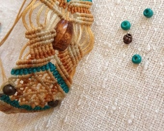 Beaded macrame bracelet OOAK in beige and turquoise with wooden beads