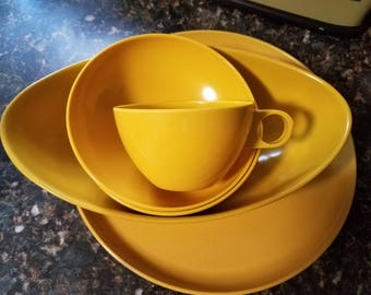 Vintage 1970's Melmac Mustard Yellow Serving Set of Dishes