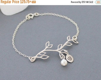 Personalized Branch Bracelet, Delicate Silver Twig with Initial Freshwater Pearl Bridesmaid Jewelry Mothers  Christmas Gift Mothers Bracele