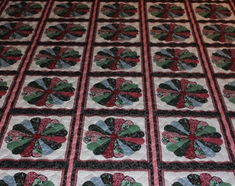 Black & Pink Dresden Plate Queen Size Quilt - READY TO SHIP!!!