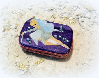 Tooth Fairy Box,Toothfairy box, Keepsake box,  Purple, Baby Shower Gift, Baby Teeth Keeper,  Childs, Childrens, Altered Altoid Mini Tin