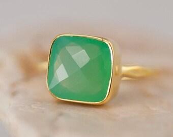 40 OFF - Lime Green Chrysoprase Ring - Sea foam Green Ring - Gemstone Ring - Stacking Ring - Gold Ring - Cushion Cut Ring