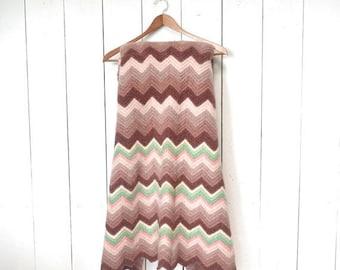 15% OFF Crochet Throw Blanket Rug 1970s Thick Felted Vintage Chevron Stripe Blanket Pink Rose Green