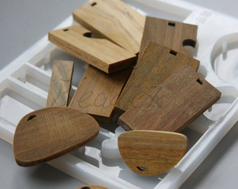 One Full Set of Flexible Resin Mould with Wood Base
