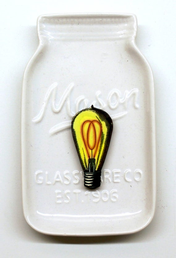 Vintage Light Bulb Needle Minder