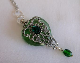 Vintage Inspired Silver Filigree And Emerald Green Crystal Rhinestone Heart Perfume Bottle Necklace