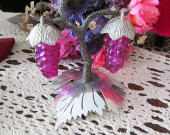 Vintage Purple Grape Cluster Salt and Pepper Shakers with Stand