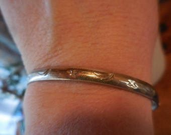 Vintage 1970s to 1980s Silver Tone Sterling Silver ? Bangle Bracelet Mexico Made Metal Stamped with Crescent Moons and Stars Retro Jewelry