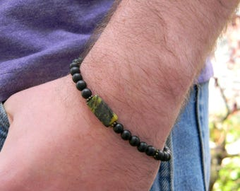 Mens beaded bracelet black and green bracelet gift for him masculine bracelet mens fashion layering bracelet for man gift for him