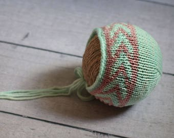 Newborn Arrows Bonnet / Pink and Mint
