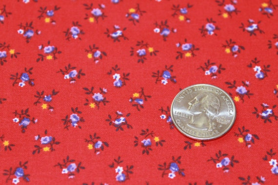 Red Flower fabric,Floral fabric,Small flower fabric,Calico cotton fabric,100% cotton,Quilt,Apparel,Craft,Sold by FAT QUARTER INCREMENTS