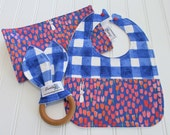 Newborn Gift Set/Infant Bib, Burp Cloth & Teether/Sommer/Organic Fleece Back
