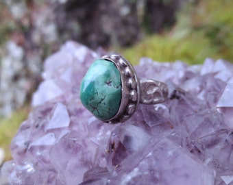 Detailed Band and Bezel Sterling Silver and Turquoise Ring Size 6