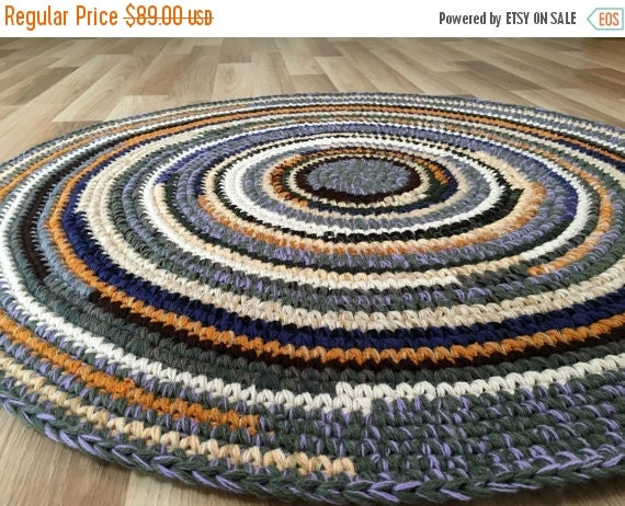 ON SALE Hand crochet wool rug in beautiful color mix, 39 inches in diameter