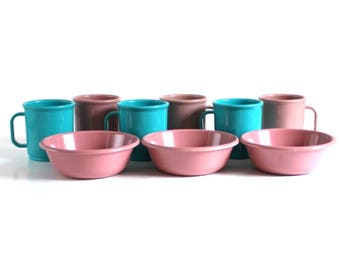 Rubbermaid Coffee Mugs 3813 or 3817, Rubbermaid Bowls 3836, Melamine Plastic Dishes Casual Dinnerware, Mauve Pink, Turquoise, White, Peach