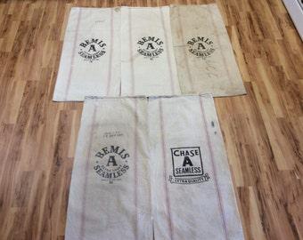 5 Pack vintage Bemis and Chase striped sacks. 1113166