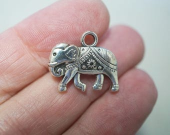 6 Metal Antique Silver Tone Elephant Charms - 20mm