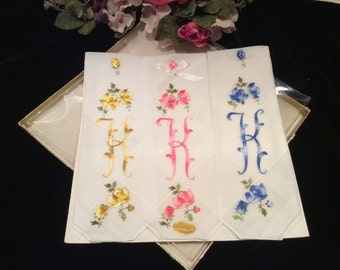 Vintage Set of 3 NOS White Cotton Embroidered Handkerchiefs Monogrammed Letter K Made in Switzerland, Vintage  Hankies, Vintage Embroidery