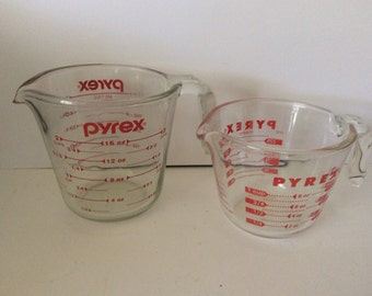 Vintage Pyrex Measuring Cups - Set Of 2 - Red Lettering - 1 Cup - 2 Cup - Cottage Decor - Open Handle - Red Kitchen - Vintage Pyrex - Retro
