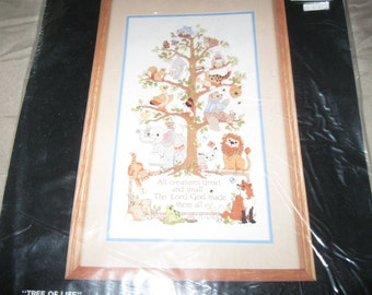 """Bucilla Crewel """"Tree of Life """" by Linda Gillum no. 40497 needlepoint kit 10"""" by 18"""" All creatures great and small 1990 unopened"""