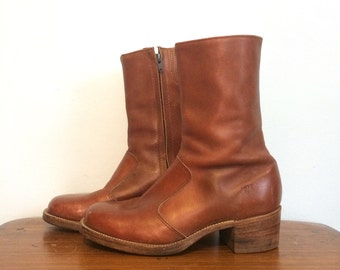 Vintage 70s Distressed FRYE Ankle Boots / Cognac Brown Western Cowboy Boots / Square Toe Roper Boots / Mens Size 7.5