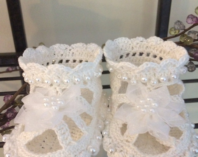 Pearl Baby Booties / Christening / Christening Shoes / Baby Shoes / Crochet Baby Shoes