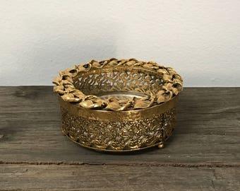 Vintage Stylebuilt round powder jar with lid, gold filigree for vanity