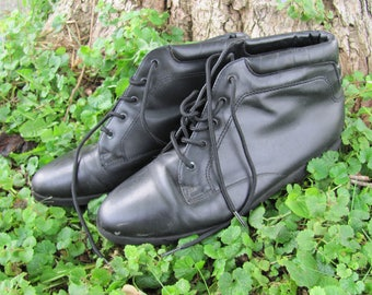 Vintage Black Granny Ankle boots booties size 9.5
