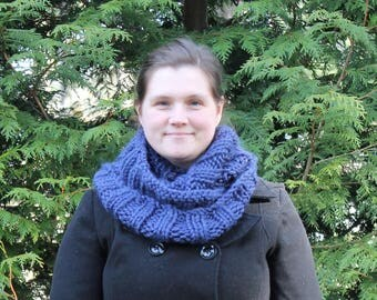 Chunky Hand Knit Infinity Scarf, Navy, Blue, Neck Warmer, Neck ware, Cowl, Cozy wear, Winter, Acrylic