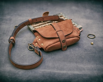 Crossbody leather small purse/fanny pack SALE!was 140 usd now 112 usd 20 % OFF