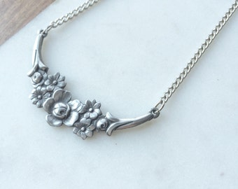 Vintage Floral Bib Necklace / Art Nouveau Revival Jewelry / Pewter silver tone necklace / flowers