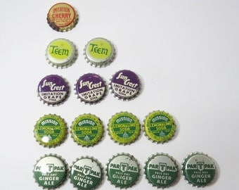 15  Bottle Caps UNUSEDAssortment Less Than Perfect, Mission Lemon Lime, Teem, Cherry, Sun Crest Grape, Ginger Ale Vintage Cork Lined