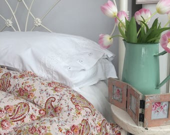 Sweet Vintage Floral Eiderdown - Pretty Pink Paisley Feather Quilt - Single Vintage Quilt -