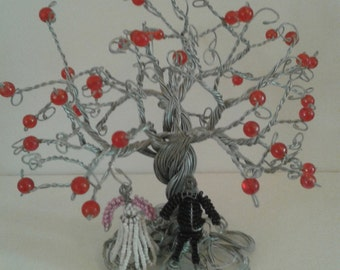 WIRE Beaded  BAOBAB Tree and two beaded figures standing under the tree. Beautifully hand crafted in Africa. Wonderful piece of African art.