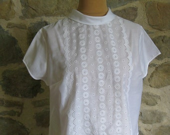 1960s white lace front blouse - size L lacy blouse with short sleeves - vintage French mid century clothing