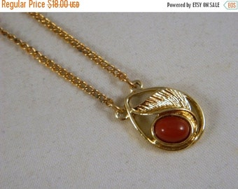 Last Minute Holiday SALE Vintage Sarah Coventry Faux Coral Leaf Pendant Necklace / 1970s Goldtone Pendant Necklace in the Original Box New O