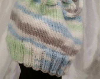 Knitted newborn hat and mittens for baby boy
