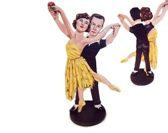 An American in Paris Hand Painted 2 D Art Figurine