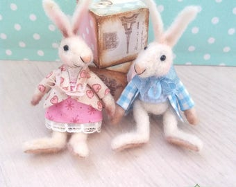 Babette - OOAK rabbit tiny bunny, artist bunny, collectible, antique style, felted rabbit, miniature bunny, Blythe bunny, dollhouse bunny