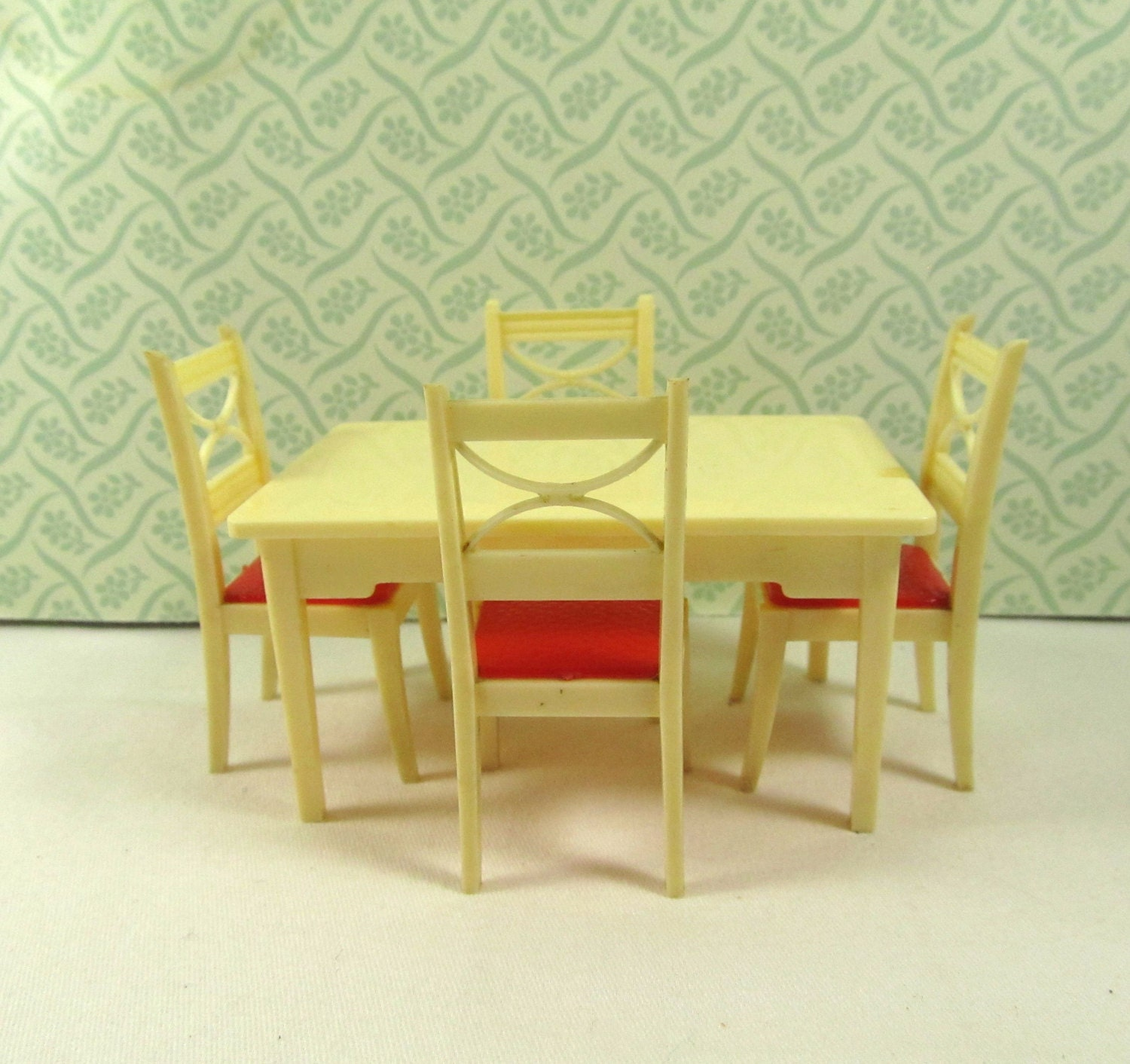Vintage Renwal Red Kitchen Chairs and Renwal Kitchen Table
