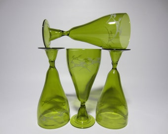 4 Art Deco Stylized Etched Green Brutalist Studio Horse Wine Glass Set