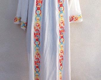Vintage hippie kaftan neon floral embroidered long dress white muslin sz M/L