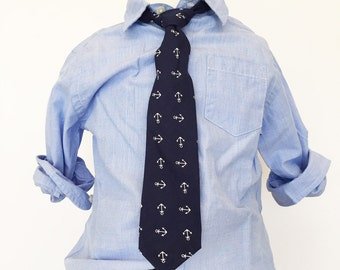 Tossed Anchor Necktie in Navy