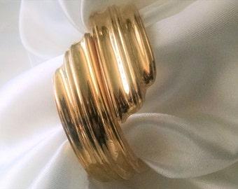 Cuff Bangle Hinged Gold Vintage Big Bold Thick Chunky Designer Stream Size Small Elegant Runway Statement