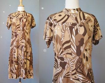 Tribal Print  Dress / Vtg 70s / Wilroy Brown and White Tribal Print dress / Animal print / African Novelty print