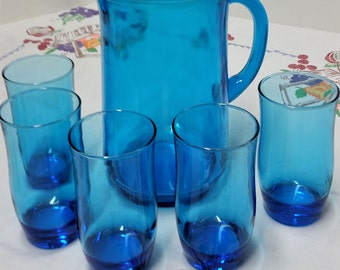 Aqua Turquoise Blue Beverage Pitcher And Five Matching Drink Glasses, Deep Blue Drink Pitcher And 5 Matching Glasses