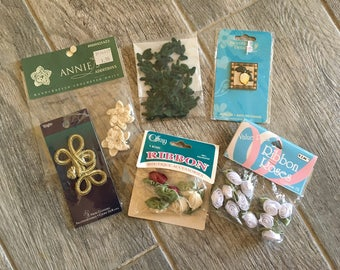 SEWING - Bundle of Assorted Sewing Appliques (Offray, Wright's)