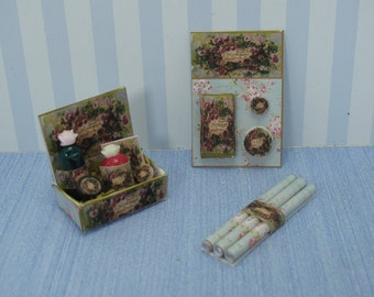 Gaël Miniature romantic green flowers elegant shabby chic perfumery shop  - PERFUME DISPLAY STAND pink vintage handmade