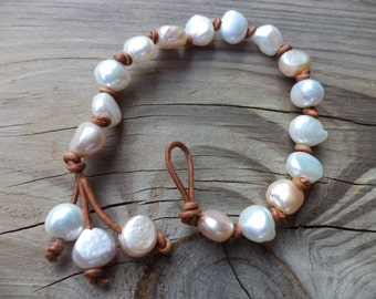 Pearl Bracelet Pearl Leather Bracelet Leather Jewelry Pearl Jewelry White Pearl Bracelet Bohemian Leather Bracelet Boho Chic Leather Jewelry