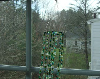 Green Leaf Suncatcher with Silver Inspirational Words